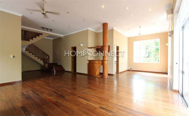 Bright Unfurnished Villa in Compound at Tran Nao for Lease-5346
