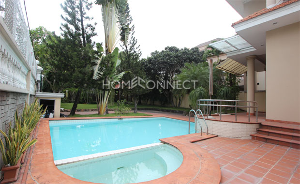 Bright Unfurnished Villa in Compound at Tran Nao for Lease-5347