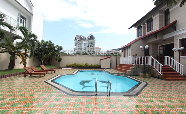 Swimming-pool 1-vila-for-rent-in-thao-dien-in-district 2-pv020111
