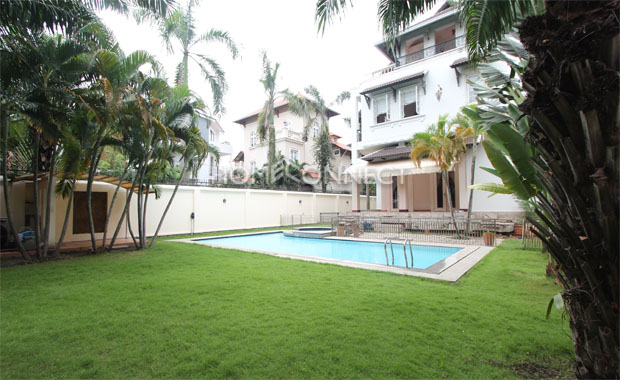 Swimming-pool 2-vila-for-rent-in-thao-dien-in-district 2-pv020554