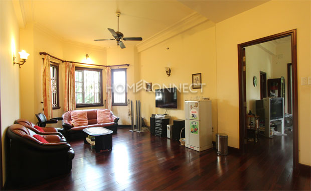 living-room-townhouse-for-rent-in-hcmc-pv020281