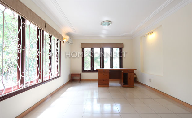 studying-room-house-for-rent-in-compound-in-district 2-vc020142