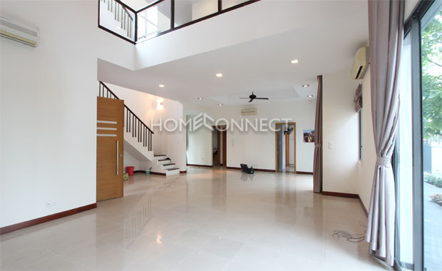 living-room2-house-for-rent-in-compound-in-district 2-vc020340