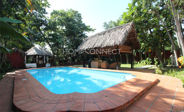 swimming-pool-house-for-rent-in-district 2-pv020431
