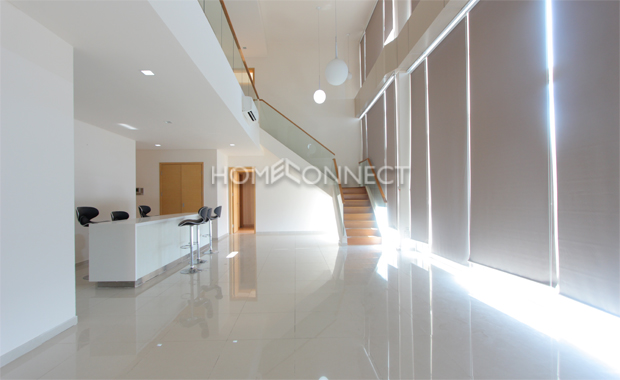 living-room-penthouse-apartment-for-rent-ap020385