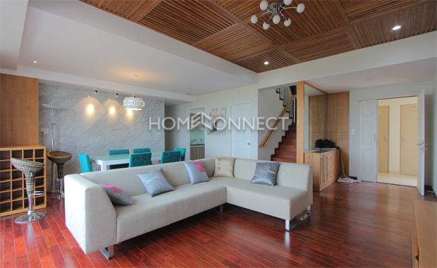 living-room-penthouse-apartment-for-rent-in-district 7-ap070800