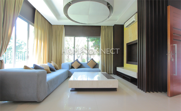 living-room-house-for-rent-in-compound-in-district 2-vc020099