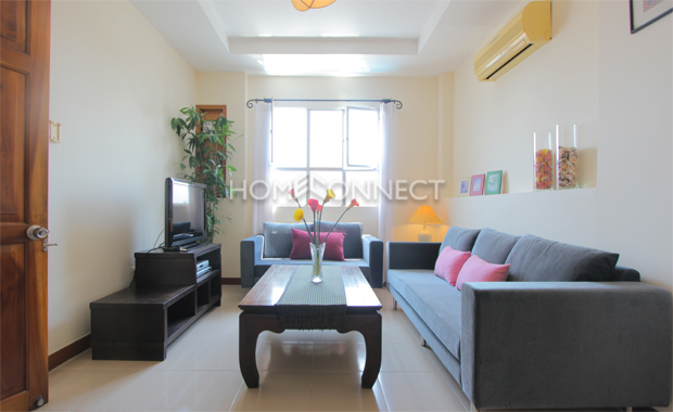 living-room-apartment-for-rent-in-phu nhuan-district-ap130002