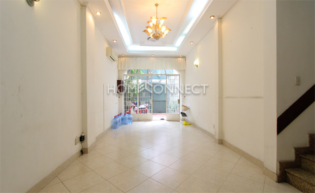 living-room2-house-for-rent-in-district1-th010069