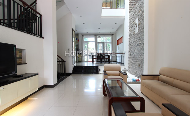 living-room2-house-for-rent-in-thao dien-vc020083