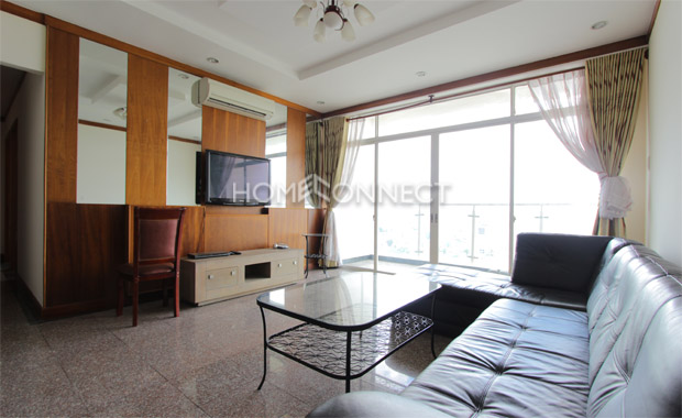 living-room-apartment-for-rent-in-district 2-ap020459