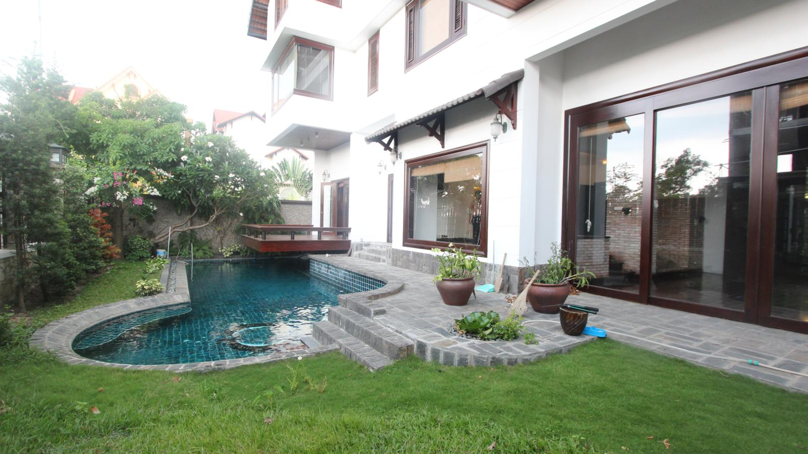 Swiming-pool-nice-villa-in-compound-for-rent-in-district 2-vc020231_1600x899